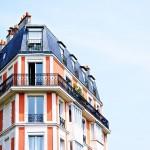 Ideas para decorar un loft estrecho con techos altos